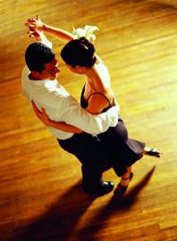 Danse de salon club de loisirs l o lagrange de gazinet for Danse de salon 95